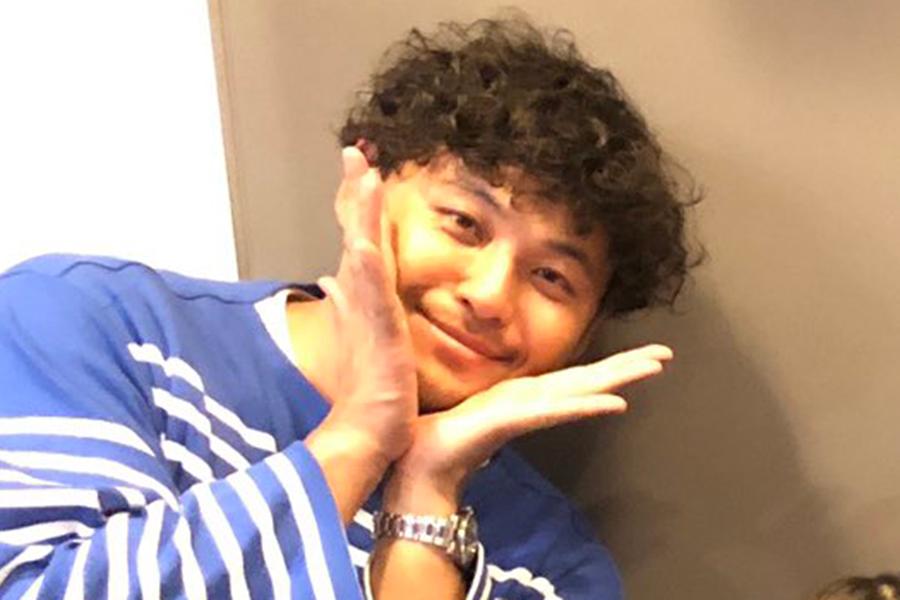 「アルコ&ピース」の平子祐希【写真:ツイッター(@hirako_yuki)より】