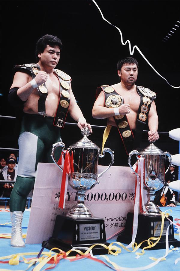 三冠奪取の三沢光晴が川田利明と世界タッグも制し5冠王を達成(92年12月)【写真:平工 幸雄】