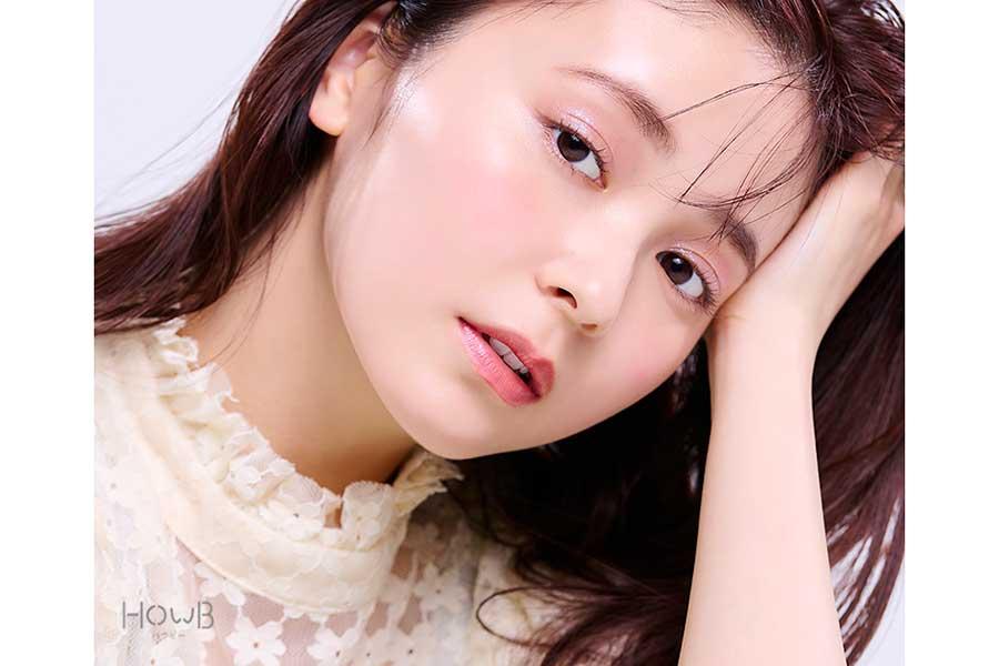 「HowB」最新号で表紙を飾った久間田琳加