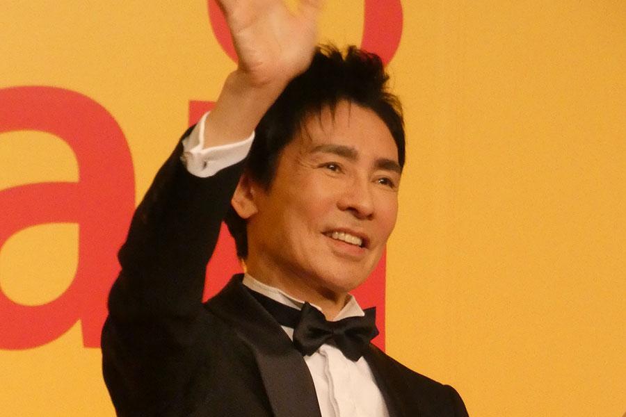 郷ひろみ「今年のシェフ賞」で賞金授与 「ぼくがもらっているみたい」とジョーク炸裂