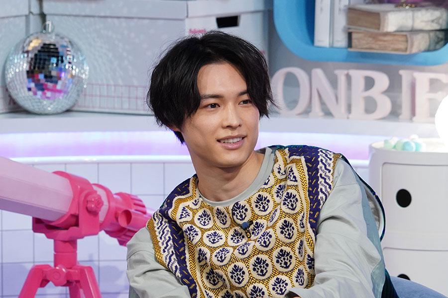 さまざまな表情を見せるSixTONES・松村北斗【写真:(C)日本テレビ】