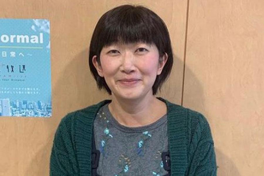 たんぽぽ・川村エミコ、巧みなトリック写真が「コップのフチ子さんみたい」と話題に