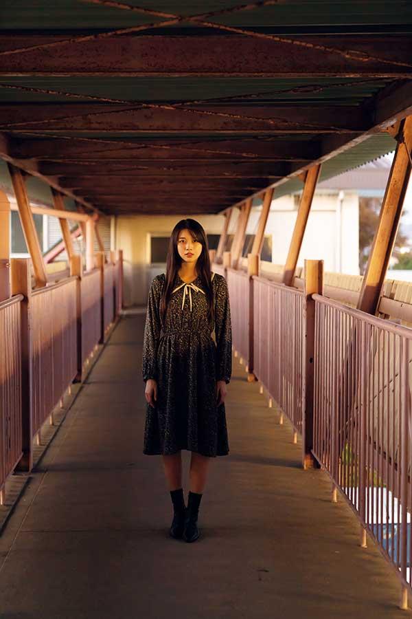 牧野真莉愛が写真集「真莉愛 二十歳」を発売