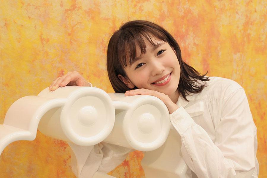 飯豊まりえ、「ZIP!」2月の金曜パーソナリティーに【写真:(C)日本テレビ】