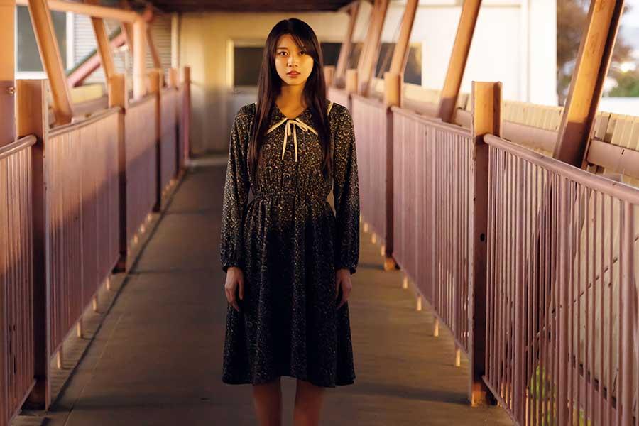 モー娘。牧野真莉愛、二十歳の誕生日に写真集を発売「いろんな私がびっしり詰まった」