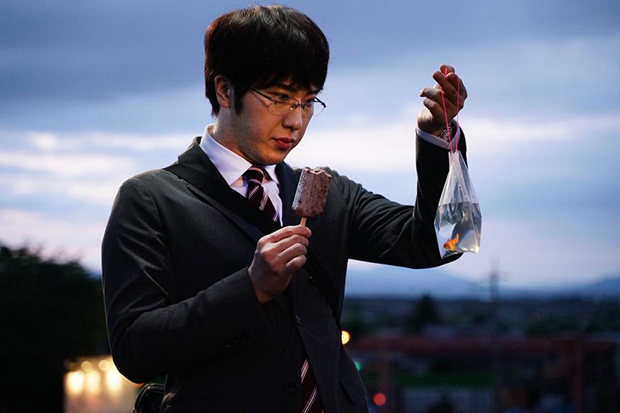 尾上松也が主演を務める映画「すくってごらん」【写真:(C)2020映画「すくってごらん」製作委員会 (C)大谷紀子/講談社】