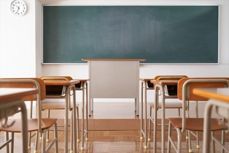 換気のために窓全開、雪降るなか震えながら授業… 地方で進むコロナ対策の本末転倒