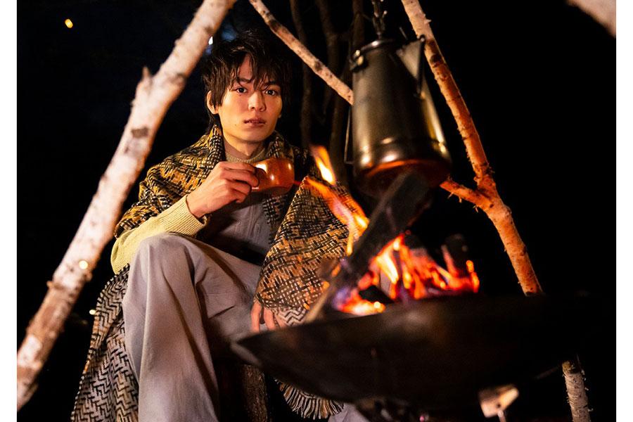 """注目俳優の溝口琢矢、""""ひとりキャンプ""""カレンダーが完成 「自分時間」を凝縮"""