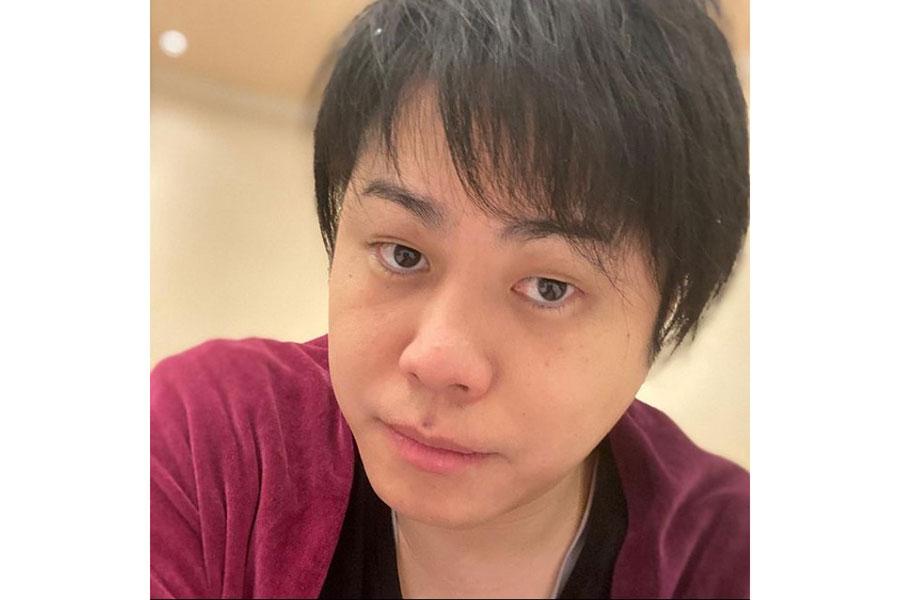 ノンスタ井上、5万円超「ジョジョ」吉良吉影のスーツ姿に驚き続出「クセがスゴい」