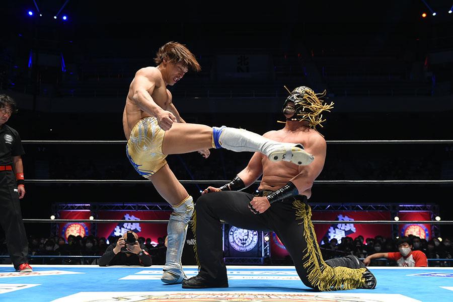 飯伏幸太が2冠王の座を死守【写真:(C)新日本プロレス】