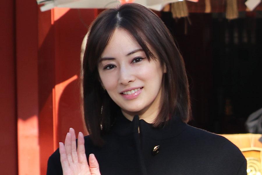 北川景子&永山瑛太、雪景色で「仲良しオフショット」 ホワイトデーの1枚が「可愛い」
