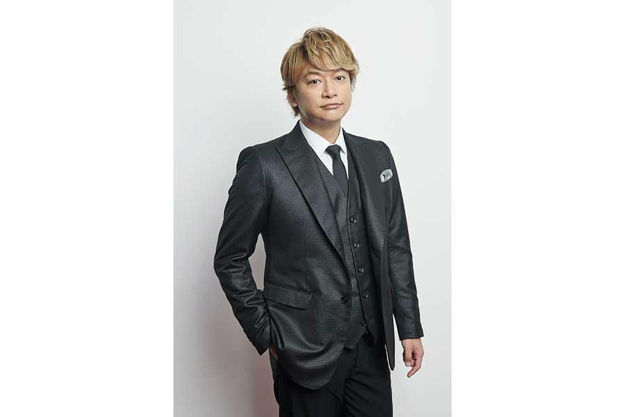 香取慎吾、初のソロステージの4月開催が決定「さくら咲かせていただきます」