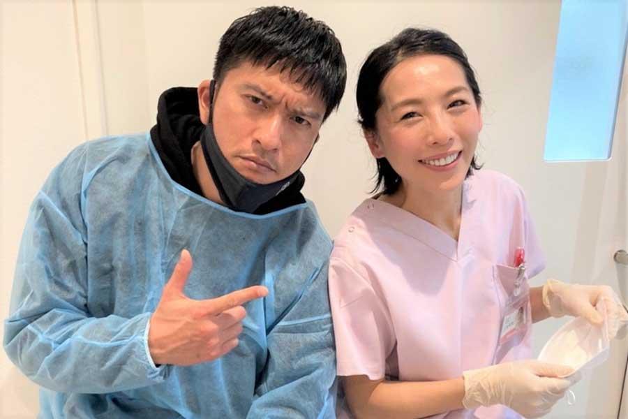 長瀬智也(左)と矢沢心が21年ぶりに共演【写真:(C)TBS】