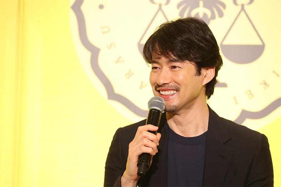 月9ドラマ「イチケイのカラス」で主演を務める竹野内豊【写真:(C)フジテレビ】