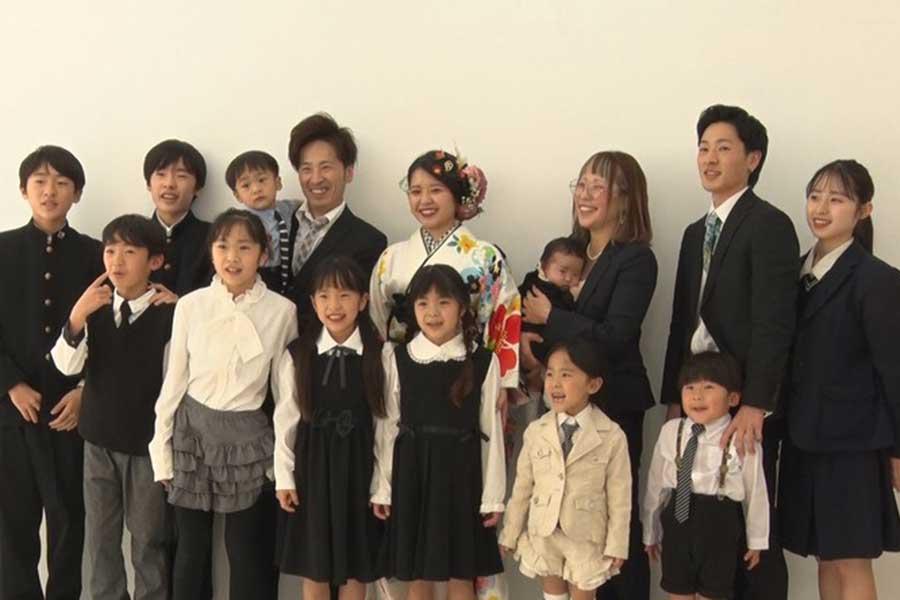 長女・海音ちゃんの成人式を祝う大家族15人【写真:(C)フジテレビ】