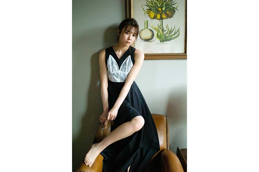 櫻坂46・小林由依、「blt graph.」表紙に初登場 大人の色気が香るグラビアで魅了