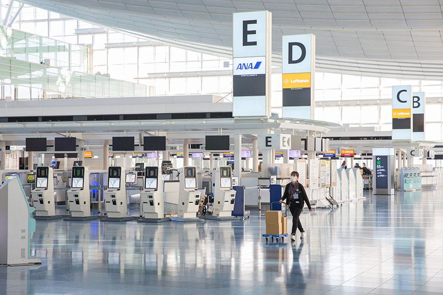 大田区にある羽田空港。観光客の激減で多くの在留外国人が職を失った【写真:Getty Images】