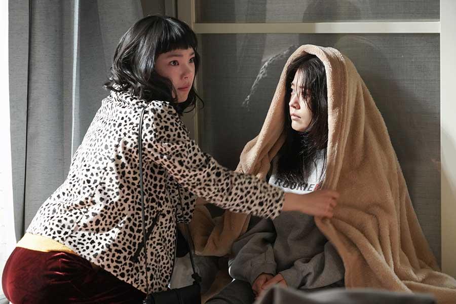 """有村架純&古川琴音、""""姉妹ショット""""が初公開 話題ドラマで松田ゆう姫の場面カットも"""