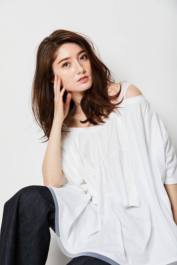 モデルのティファニー春香