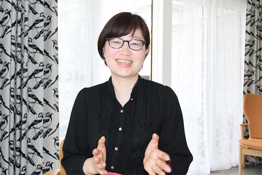 フィンランド大使館職員でライターの堀内都喜子さん【写真:ENCOUNT編集部】