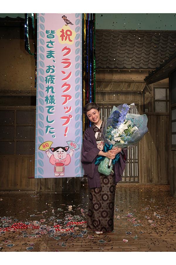 「おちょやん」の撮影を終えた杉咲花【写真:(C)NHK】