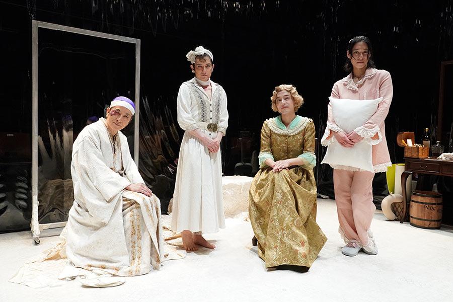 舞台「楽屋」が初日公演 佐藤アツヒロ演出の「楽屋」も5月31日から上演決定