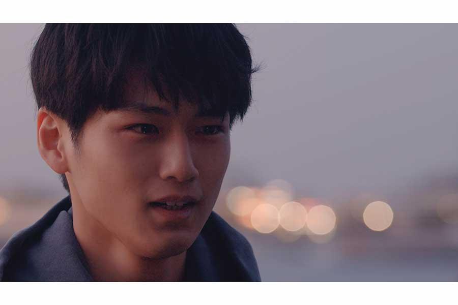 マルシィの新曲のミュージックビデオに出演する中川大輔