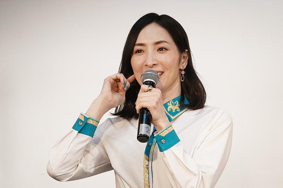 特別授業を行った女優の真飛聖【写真:ENCOUNT編集部】