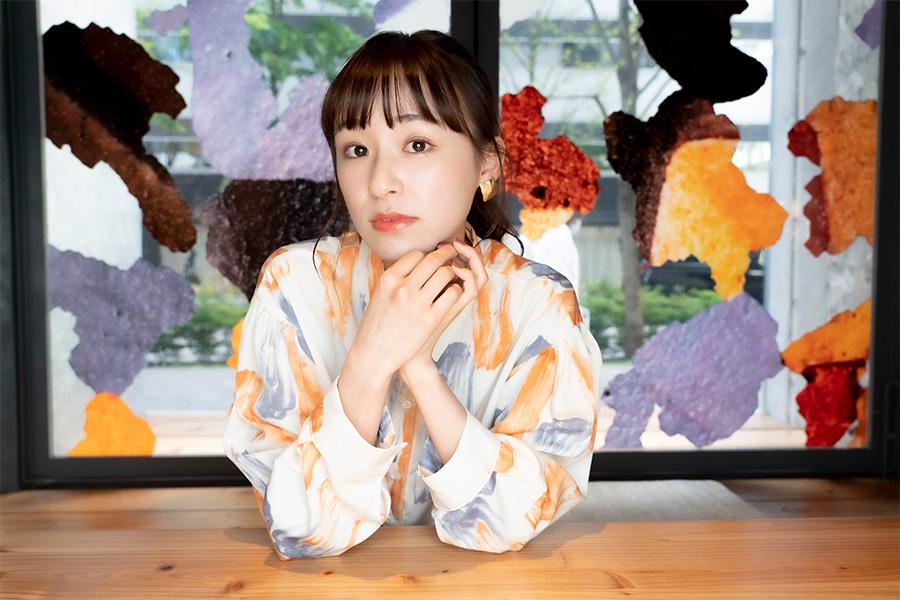 現役女子大生でモデル・女優の鈴木美羽【写真:山口比佐夫】