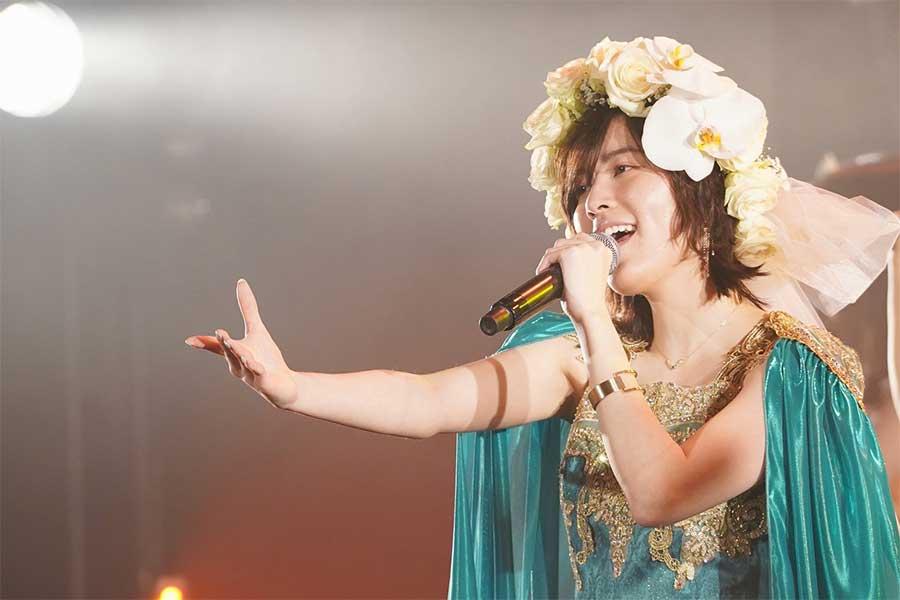 松井珠理奈、卒業公演に感無量「SKE48に入って良かった」 鮮やかドレス姿でファン魅了