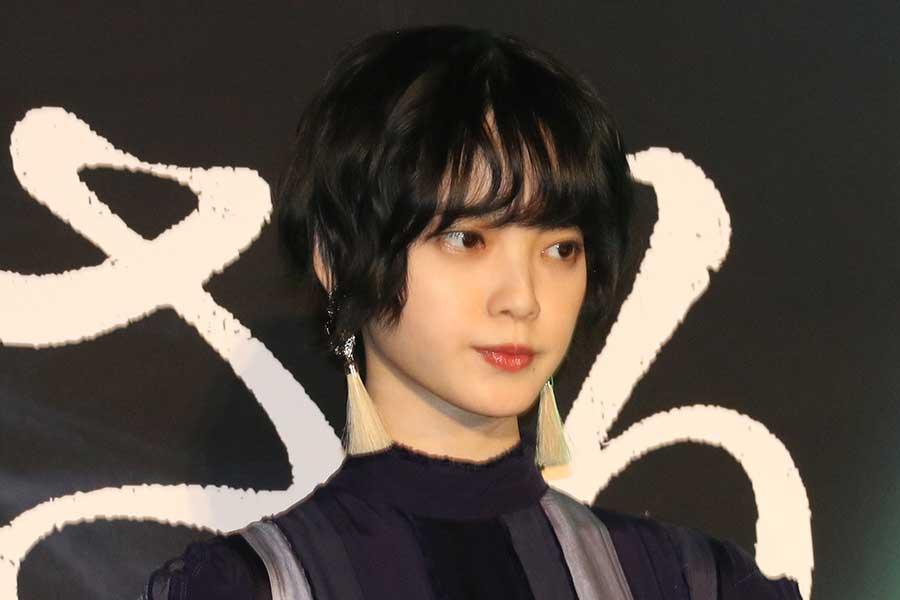 平手友梨奈、「ドラゴン桜」子役と笑顔の2ショット 「2歳の楓と18歳の楓」が話題に