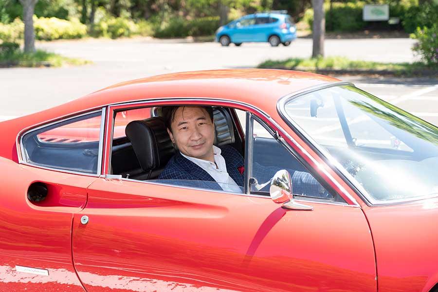 【愛車拝見】ボロボロのフェラーリ・ディーノ246GTを1000万円で買って30年乗り続ける元会社員の話