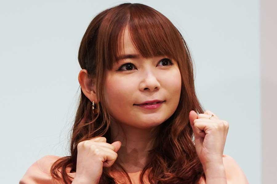 中川翔子、朝倉海を助手席にベンツ電気自動車で初ドライブ「めちゃくちゃ絵になる」と驚き
