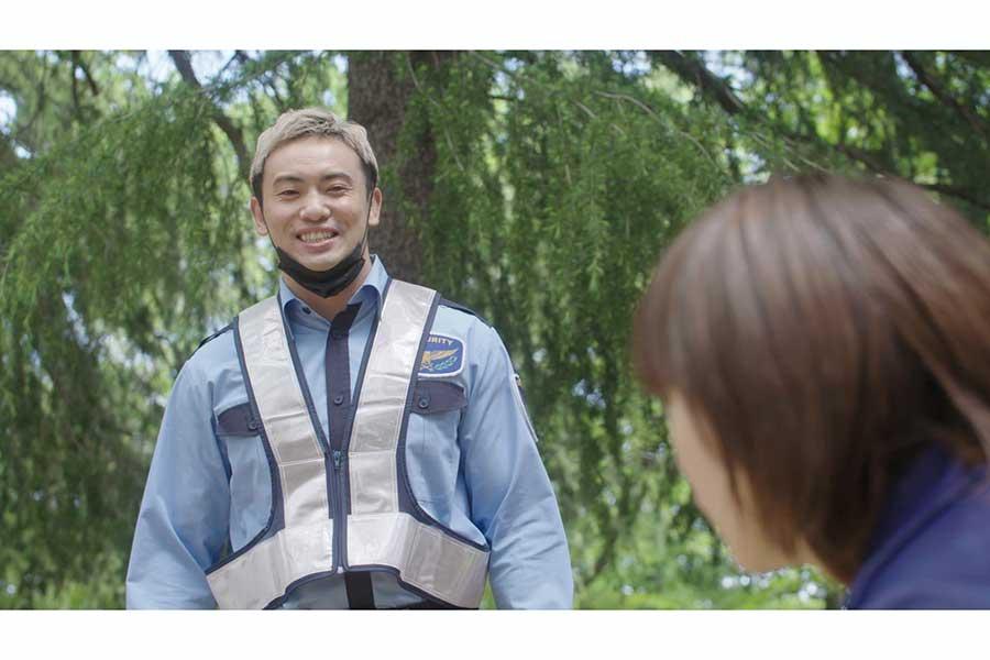 オカダ・カズチカ、「優しいイケメン警備員」に変身 プロレスから離れた役は初
