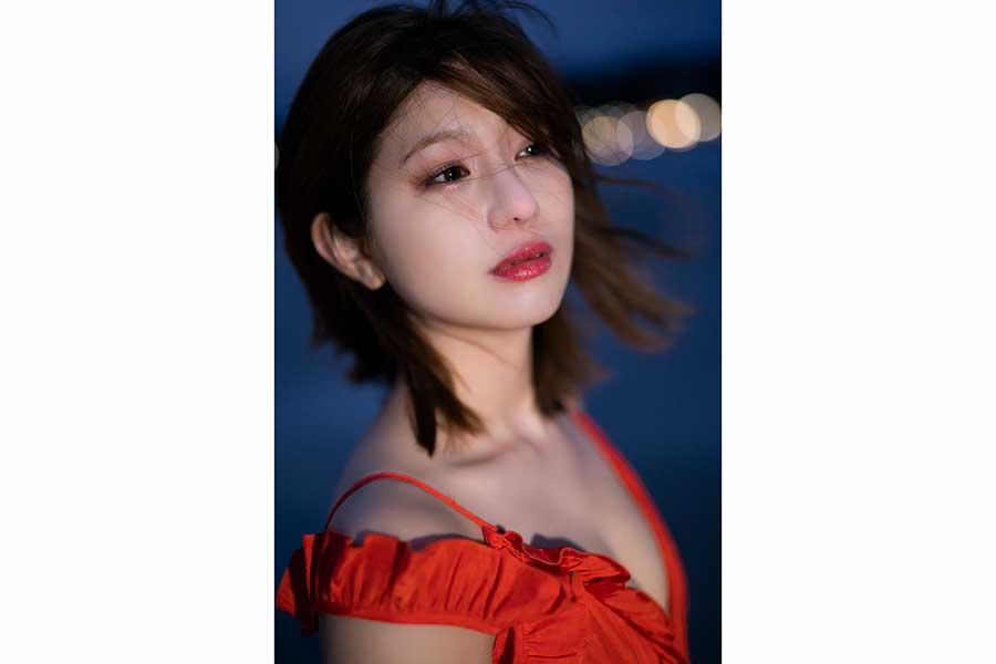 元NMB48谷川愛梨、芸能活動10周年の節目に写真集発売 下着での撮影にも初挑戦