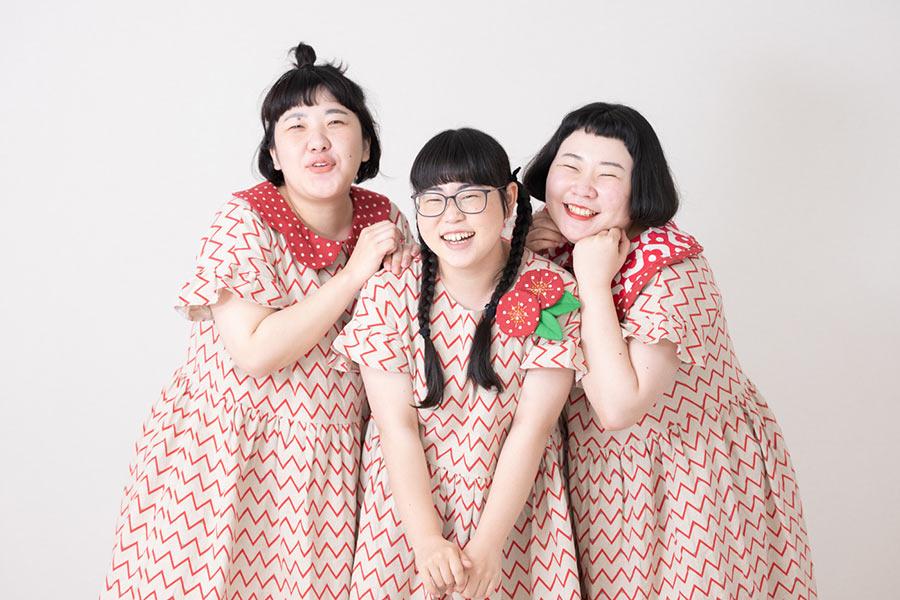 """""""食わせたくなるアイドル""""「ザ・トキメキハニーズ」【写真:荒川祐史】"""