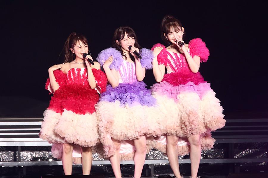 AKB48峯岸みなみ卒コンにたかみな&こじはる登場「ノースリーブスは解散じゃない」