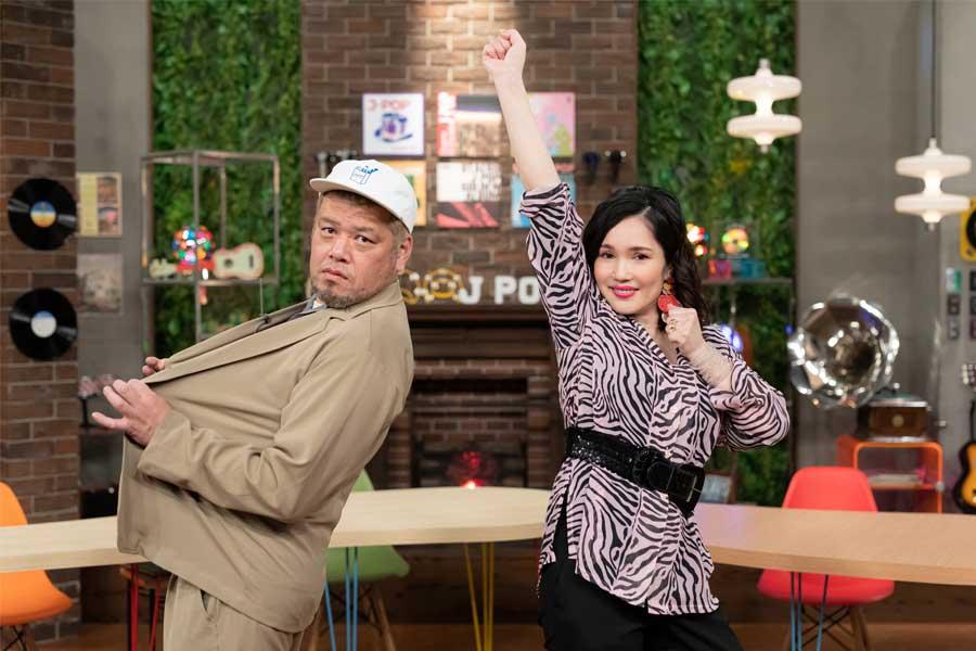復帰した平野ノラ(右)に子育ての先輩くっきー!から意外なアドバイス【写真:本多元】