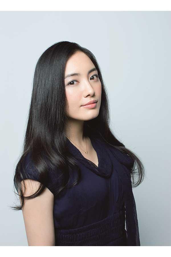 主人公の母を演じる仲間由紀恵【写真:(C)NHK】