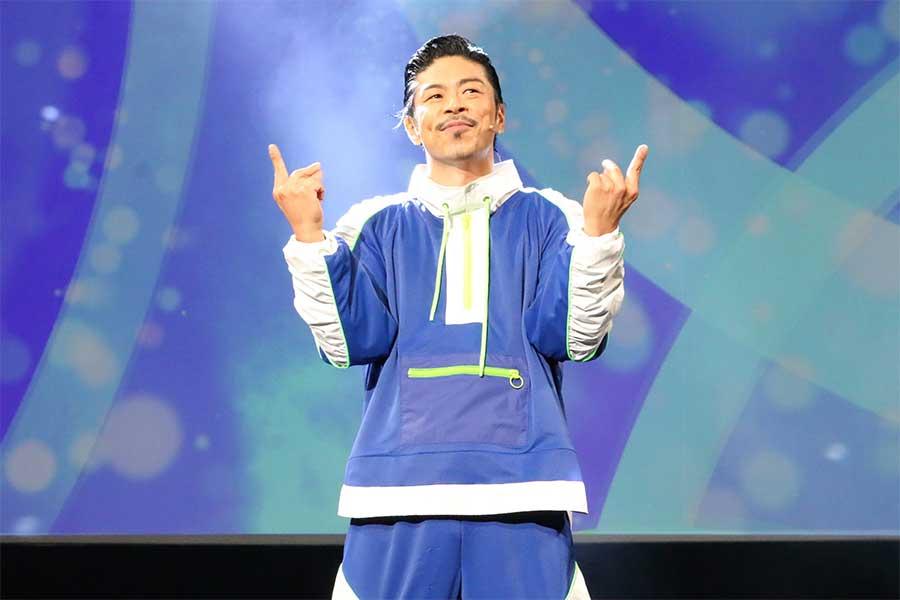 EXILE・松本利夫、サックスで!ダンスで!エンタメ届ける 舞台「MATSUぼっち」が開幕