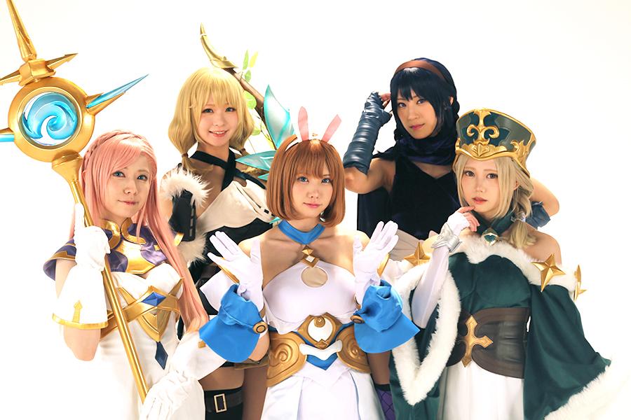 前列左からよきゅーん、えなこ、篠崎こころ、後列左から茉夏、つんこ【写真:ENCOUNT編集部】