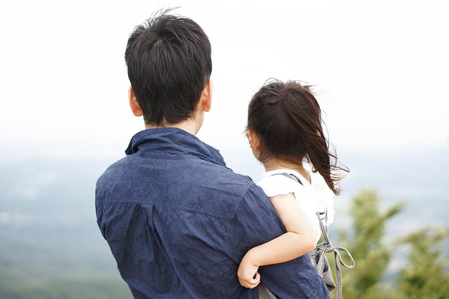 「男性は育児の権利を侵害されている」 男性産休法、専門家が指摘する今後の課題