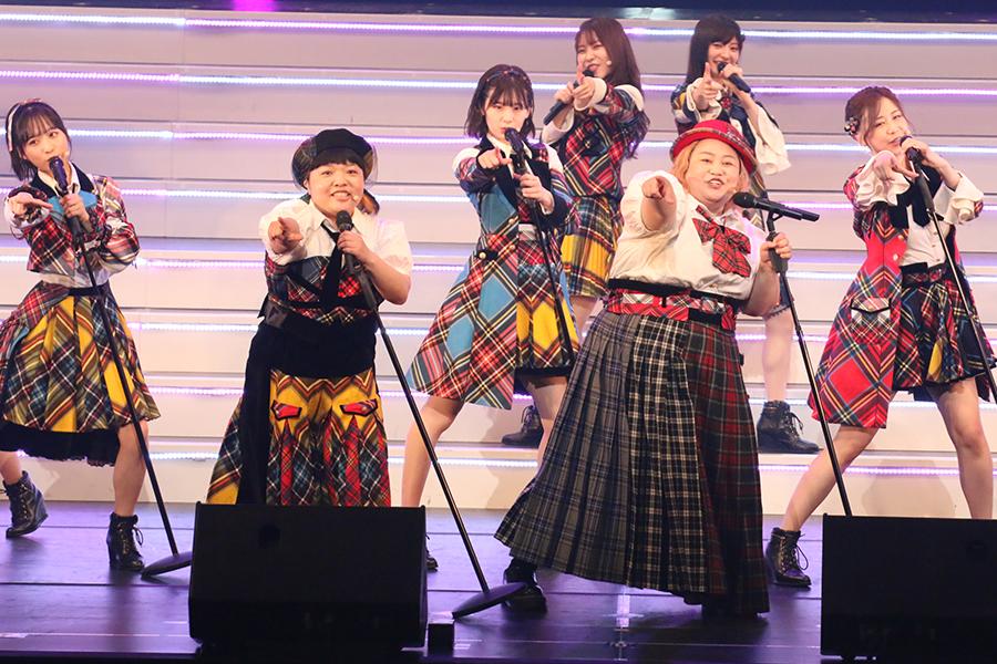 「おかずクラブ」オカリナとゆいPが「AKB48 THE AUDISHOW」にゲスト出演【写真:ENCOUNT編集部】