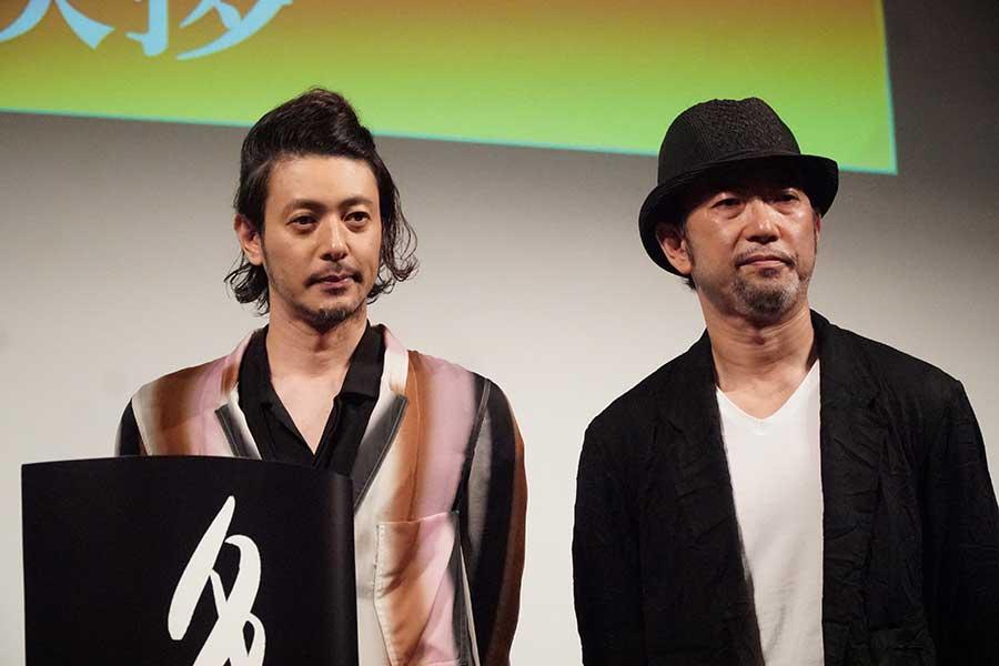 イベントに登壇したオダギリジョー(左)と日比監督【写真:ENCOUNT編集部】