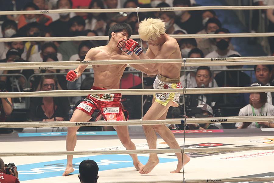 朝倉海、渡部修斗を寄せつけず 中川翔子も驚愕「すさまじいパウンド」