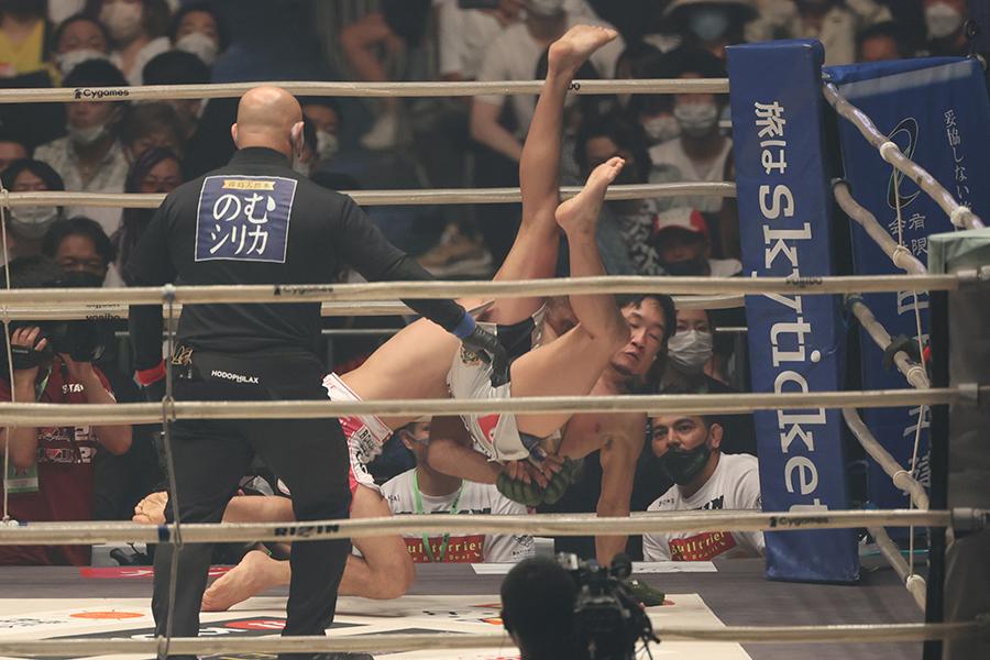 朝倉未来、柔術界の鬼神にまさかの2R1分51秒失神負け 東京ドームに衝撃