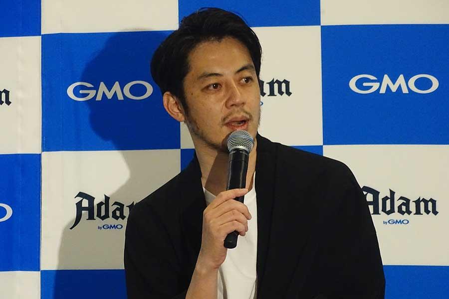 イベントに登壇した西野亮廣【写真:ENCOUNT編集部】