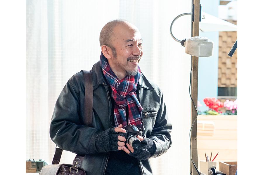 朝ドラで塚本晋也演じるトムさんとは NHK「(モネの両親の)なれそめ知ってます」