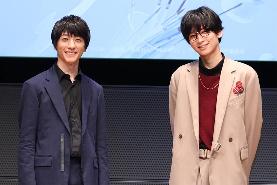 「バクマン。」THE STAGEの制作発表会に出席した鈴木拡樹(左)と荒牧慶彦【写真:ENCOUNT編集部】