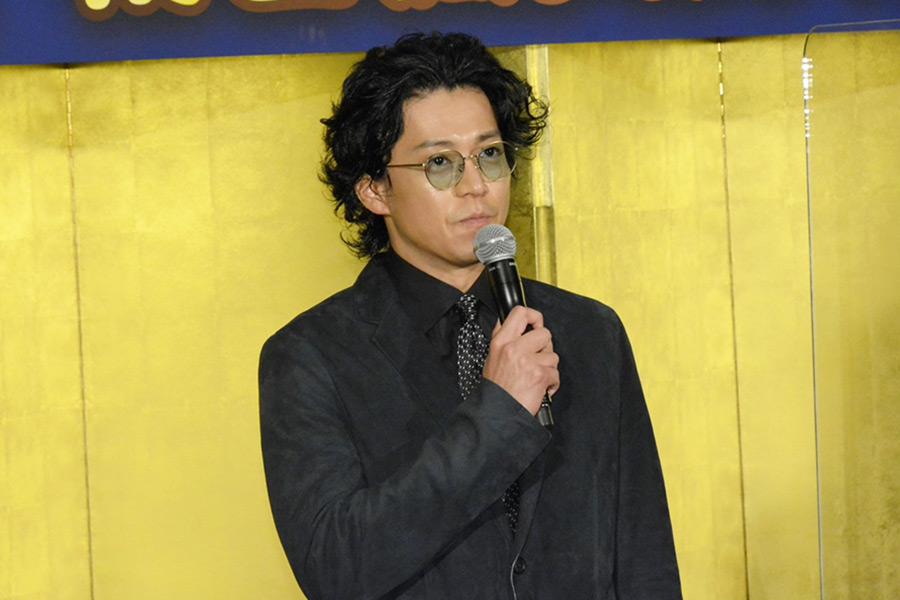 映画「ゴジラvsコング」初日舞台あいさつに登壇した小栗旬【写真:ENCOUNT編集部】